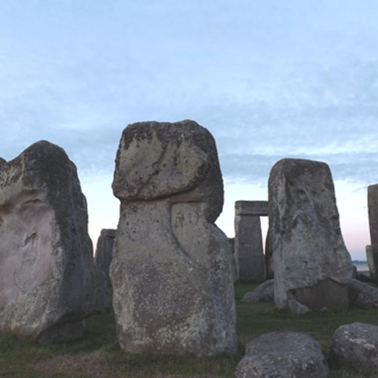 Stonehenge - kamenné sluneční hodiny a starověká observatoř | Přesný čas online.cz