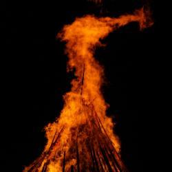 O letním slunovratu lidé často rozdělávali ohně