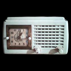 Synchronní elektrický radiobudík ze 60. let 20. století